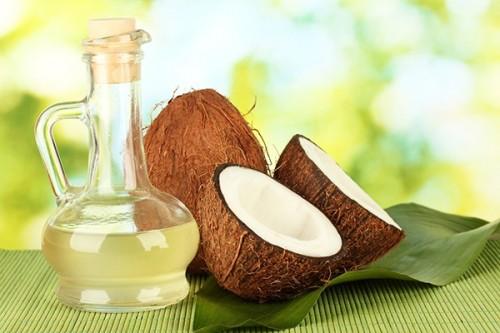 Mẹo hay làm trắng răng bằng dầu dừa 1