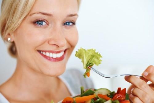 7 thực phẩm làm trắng răng HIỆU QUẢ 3