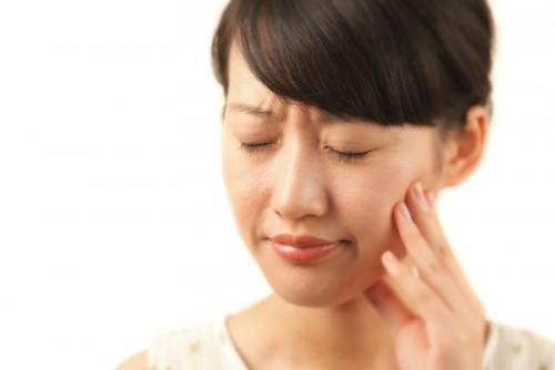 Nguyên nhân ê buốt răng sau khi tẩy trắng và cách khắc phục 1