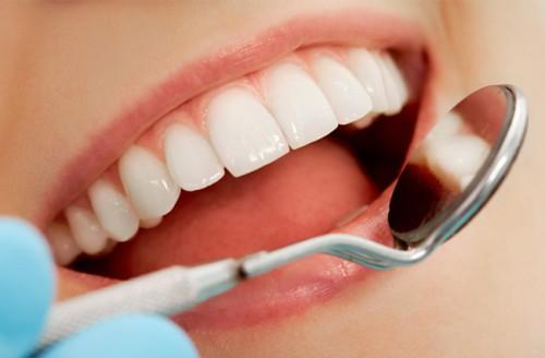 Chia sẻ kinh nghiệm tẩy trắng răng đạt kết quả như ý 1