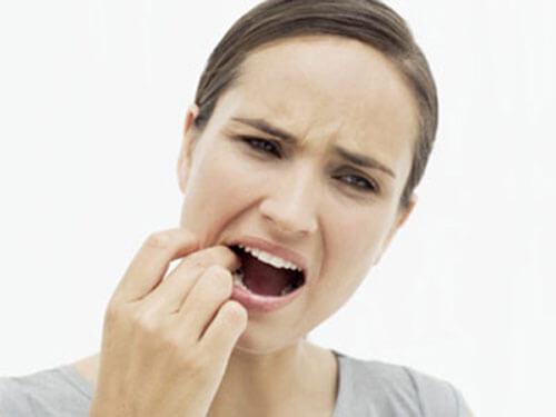 Sử dụng miếng dán trắng răng có hại không? 3
