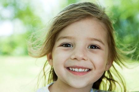 Cách khắc phục răng bị xỉn màu ở trẻ em?