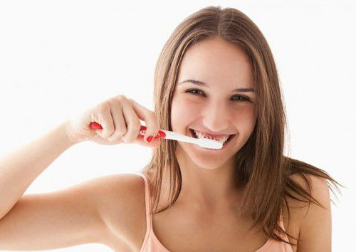 Những hiện tượng sau khi tẩy trắng răng có thể gặp 2