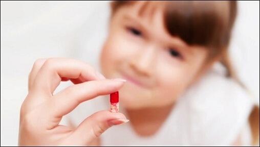 Tẩy trắng răng cho bé có nên không?