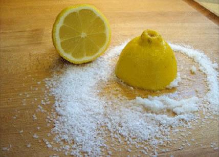 Cẩm Nang: Cách làm trắng răng bằng muối và chanh đơn giản nhất 2