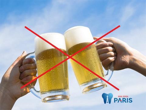 tẩy trắng răng có được uống bia không? Tư vấn
